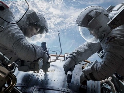 gravity-reviews-are-calling-sandra-bullocks-space-odyssey-the-must-see-event-of-the-year.jpg